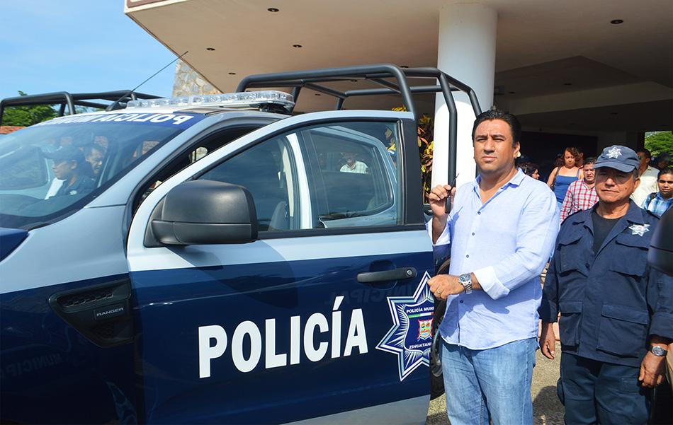 nuevas-patrullas-policia-zihuatanejo