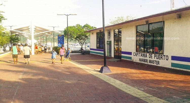 La capitanía de puerto en Zihuatanejo