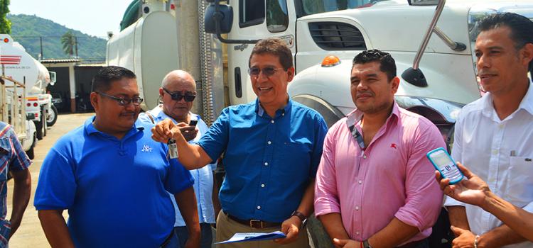 CAPAZ recibe camión tipo vector