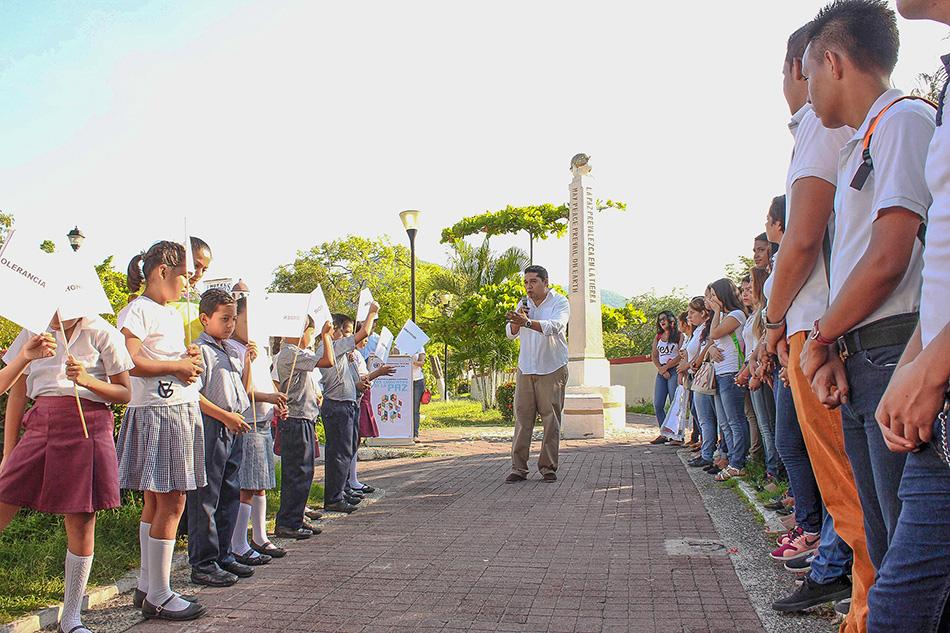 dia-internacional-de-la-paz-zihuatanejo-2016