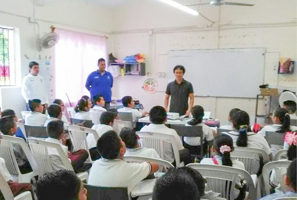 tsunami-escuelas-zihuatanejo