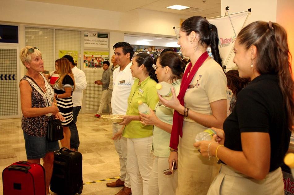 vuelos-canada-ixtapa-zihuatanejo_001