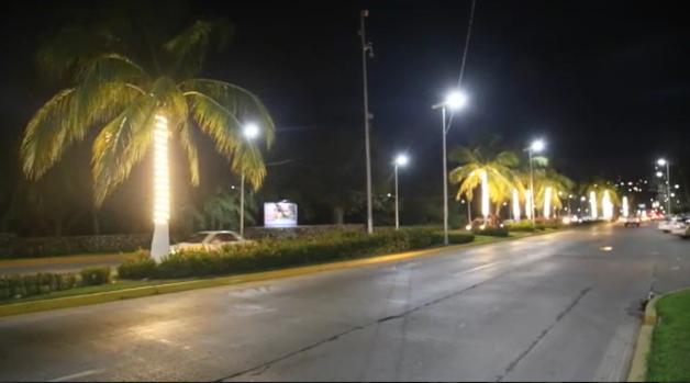 Gobierno de guerrero da nuevo rostro a boulevard de las for Iluminacion para palmeras