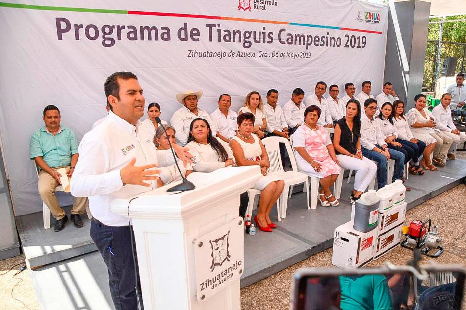 tianguis-campesino-zihuatanejo-2019_.jpg